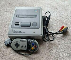 Nintendo Super Famicom Console + Controller JP - SHVC-001
