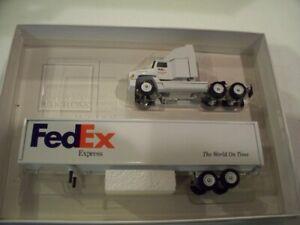 FED EX EXPRESS FREIGHTLINER TRACTOR TRAILER DIECAST WINROSS TRUCK