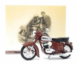 Model Motorcycle 1/24 Czech motorcycle Jawa 354-04 silver red. CZ Motorbike. Atl