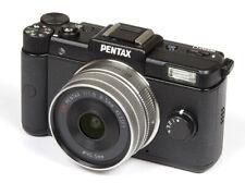 PENTAX Q 12.4MP Digital Camera Black w/ 01 Standard Prime lens Battery Charger