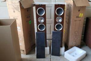 KEF R700 Uni Q Tower Speakers Pair Excellent