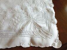 Superb Vintage LINEN White Runner Embroidery Appliqué Drawnwork Dresser Scarf