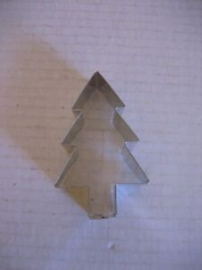 Unbranded Silver Metal Holiday/Christmas Tree Cookie Cutter 030734033081 NWWT