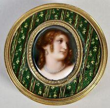 Schöne Dose mit Miniatur Portrait auf Porzellan im Deckel , 19. Jahrhundert