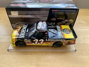 2010 1/24 Ron Hornaday #33 Longhorn Autographed Truck 1/504 Kevin Harvick