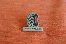14689 PIN'S PINS PNEUS TYRES KLEBER TRACTEUR TRACTOR - DRAGO