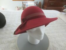 LANCASTER 100% WOOL FELT Ladies RED/RUST HAT with Felt Tie - Approx. 21 1/4""