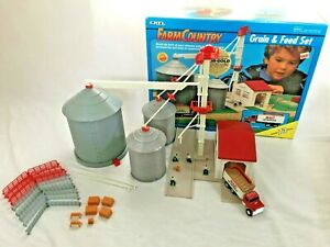 Vintage ERTL Farm Country Grain & Feed Set Toy 1993 1/64 Scale Agriculture Silo