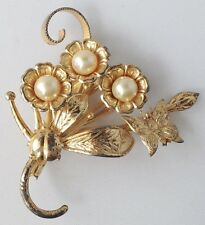 broche vintage floral couleur or en relief perles nacrées blanches papillon 398