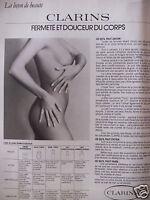 PUBLICITÉ 1978 CLARINS LIGNE DE SOINS FERMETÉ ET DOUCEUR DU CORPS - SEINS NU