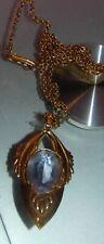 pendentif Victorien  delicat avec sa petite chaine et  pierre  violette  or 9k