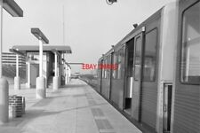 PHOTO  NETHERLANDS AMSTERDAM TRAIN 1978 GAASPERPLAS GVBA PLATFORM AND TRAIN