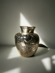 Vintage 900 Silver Japanese Relief Decorated Pot Vase.