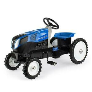 New Holland T8 Die-cast Pedal Tractor by ERTL, 2022 PA Farm Show, Cust-9225