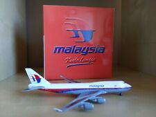 "Malaysia airlines ""Kuala Lumpur"" Boeing 747 - 400 1:500 scale model by Starjets"