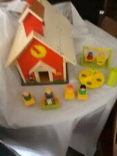 VINTAGE  1971 FISHER PRICE SCHOOL HOUSE and ACCESSORIES