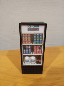 1:18 Diorama Accessories Fridge With Soda Cans
