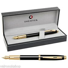 Superb Sheaffer 100 Glossy Black / Gold Fountain Pen in Luxury Box (E0932253)