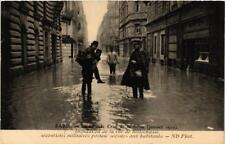 CPA La Grande Crue de la Seine. 7 Rue de Bellechasse (561733)