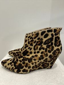 Wittner women's Animal Leopard print leather pull on pointed ankle boots 41/9.5