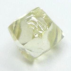 0.79 Karat Kostüm Canaray Gelb Schneidbar Dodecahedron UK Natürlich Grobem Karo