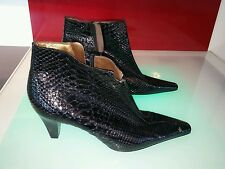 Peter Kaiser black boots size 8.5 good condition