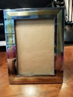 "Contemporary  6.25"" x 4.75"" two-tone metal frame for a 3"" x 4.5"" photo"