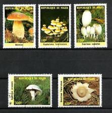 Champignons Niger (19) série complète de 5 timbres oblitérés