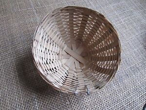 12  x  Canary  nests  pans in natural  wicker 10-11 cm dia.
