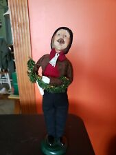 1998 Byers Choice Carolers Man With Garland 13 Inch