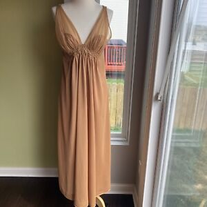 Bright Pink Medium Vintage Van Raalte Nightgown 36 Bust