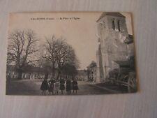 carte postale  vers 1900  velleches place de l'eglise      serie 21