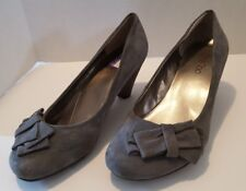 Me Too Lena Wedges Size 10M Gray Suede Leather Bow Detail Career Pumps Shoes