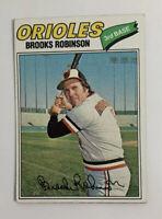 1977 Brooks Robinson # 285 Topps Baseball Card Baltimore Orioles HOF