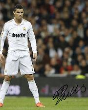 Signed Photos R Pre-Printed Football Autographs
