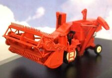 NICE OXFORD DIECAST 1/76 (MASSEY FERGUSON 780) COMBINE HARVESTER IN RED 76CHV001