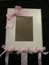 ADORABLE RIBBON MIRROR FOR A GIRL'S ROOM
