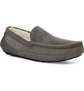 UGG Men's Ascot Suede Slipper: Size 10: Grey (186)