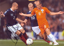 Alan Hutton, Scotland, Rangers, Tottenham, Aston Villa, signed 11x8 photo. COA.