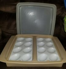 Tupperware Deviled Egg Tray Carrier Almond #723-1 w/Lid ~ Ex. Vintage Condition