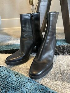 Tod's Black Leather Boots Size 7