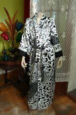 Josie Natori Long Scroll Robe Wrap Black and White Size Large