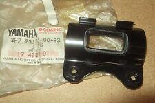 YAMAHA XT500  1980/1981  GENUINE LEFT HAND HEADLAMP BRACKET - # 3H7-23131-00-33