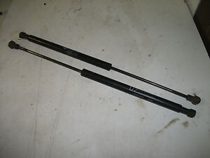 PAIR OF FORD AU FALCON SEDAN D2 BOOT LID STRUTS TO SUIT WITH SPOILER,EXC COND