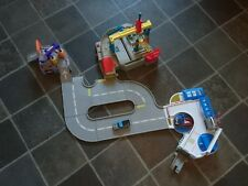 HOT WHEELS ULTIMATE RACEWAY 3-IN-1. Mattel 2009. (discontinued ~ rare).