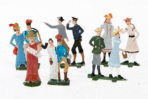AC1907: Vintage German O Gauge Pewter Railway Passenger Figures (6)
