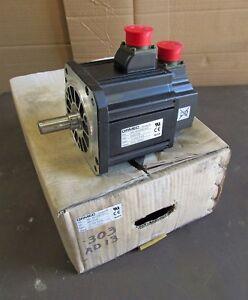 """New Ormec Yaskawa AC Servo Motor MAC-MD050B2-K3N 850W 1500RPM 230V 50"""" lbs D6494"""