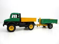 Camions miniatures vert pour Mercedes