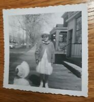 "VINTAGE B & W PHOTO GIRL CRYING BABY WATCHING  3.5"" X 3.5"""