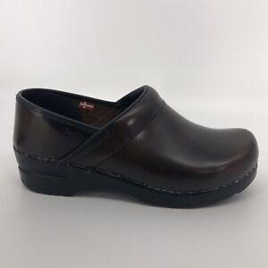Sanita Women's Size 38 Gloss Shiny Brown Leather Clogs Professional Nurse Shoes